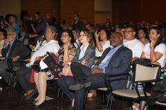 Na plateia, a Diretora da Fiocruz Bahia Marilda Gonçalves e a Vice-Diretora de Educação da instituição Patrícia Veras.