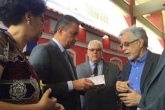 A Diretora da Fiocruz Bahia, o governador da Bahia Rui Costa, o Vice-Diretor da Fiocruz Brasília Wagner Martins e o pesquisador e coordenador do Cidacs (Fiocruz Bahia) Maurício Barreto.